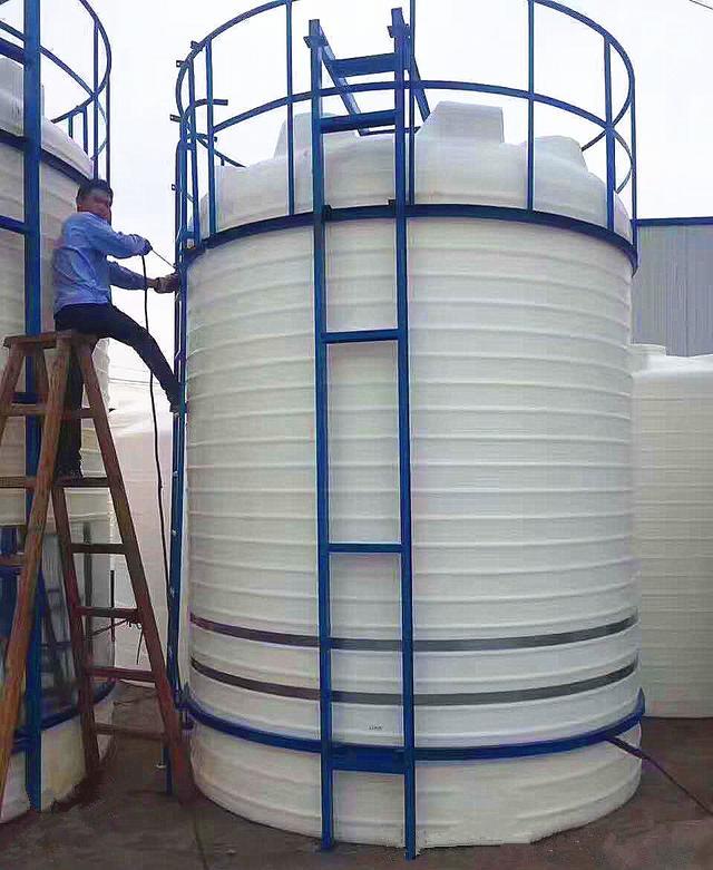 塑料水箱厂家直销环保消防塑料水箱可以提供定制加厚水箱水塔水罐
